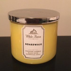 Bath & Body Works 3 wick candle - Boardwalk